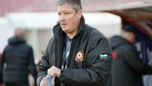 Любо Пенев атакува съдията, закани се, че ще има и други като Манолев, коментира наказанието на БФС