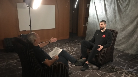 """След като """"го сложи на злобарите"""", Камата интервюира звезда от NBA"""
