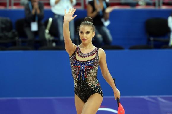 България ще участва с пет индивидуални гимнастички и ансамбъл девойки в Киев