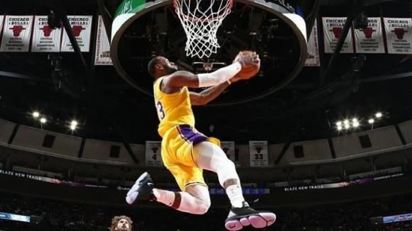 Лейкърс прекъсна серия от пет поредни загуби в НБА