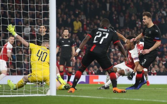 Арсенал заличи пасива с класическа победа (видео)