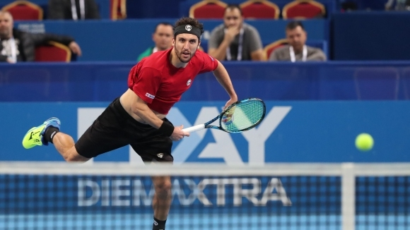 Младенов достигна до финала на двойки в Тунис