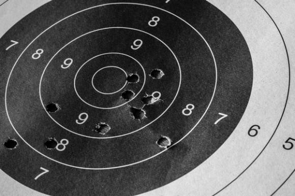 Българките извън финала на пистолет при девойките