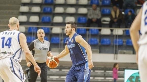 Академик Бултекс 99 без Адриян Секулов в мача за Балканската лига