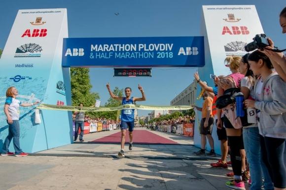 146 кг е общото тегло на медалите, поръчани за участниците в Маратон Пловдив...