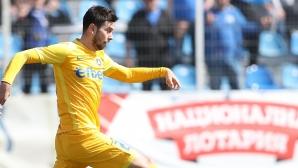 Левски награждава с нов договор Станислав Костов