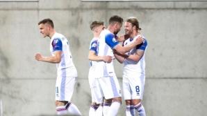 Исландия с първа победа при Ерик Хамрен