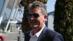 Емо Костадинов: Десподов има три мача за България - не е такава загуба, че няма да играе (видео)