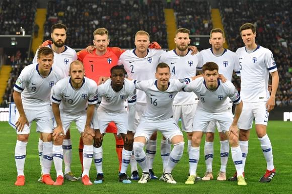 Финландия с първа победа в Група