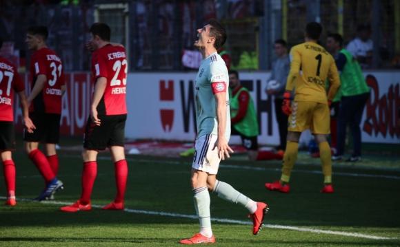 Втора грешка срещу Фрайбург остави Байерн зад Дортмунд преди дербито (видео)