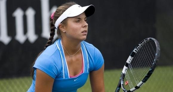 Томова с леко изкачване в класацията на WTA