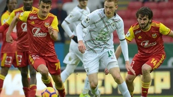 Георги Костадинов със силен мач за Арсенал при равенство с Рубин
