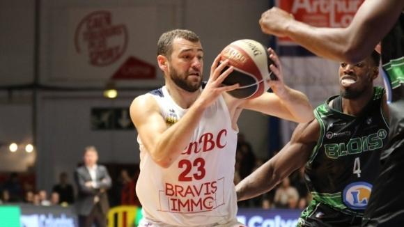 Павел Маринов с тежка контузия на коляното