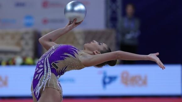 Катрин завоюва сребро на топка, златото отново е за Русия