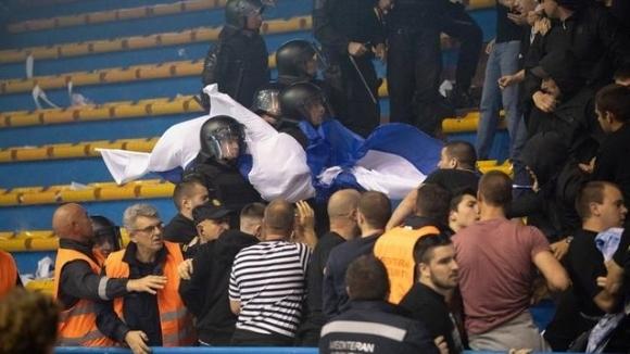Безредици на баскетболен мач в Хърватия (видео)