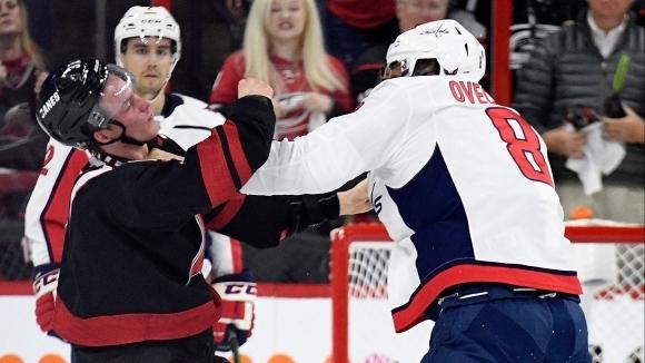 Овечкин нокаутира сънародник в НХЛ (видео)