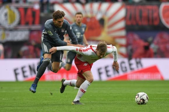 Байерн не си свърши работата и даде последен шанс на Дортмунд (видео)