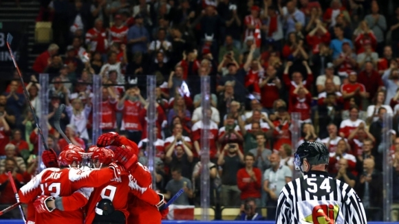 Дания надви Франция в първия кръг на Световното по хокей
