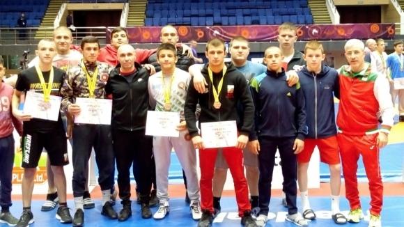 Осем медала спечелиха  кадетите на турнир  по борба в Румъния