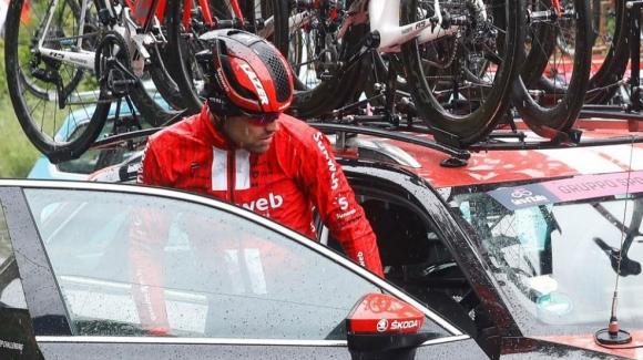 Контузия извади Том Дюмулен от обиколката на Италия