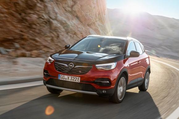 Запознайте се с Opel Grandland X Plug-In хибрид с двойно предаване