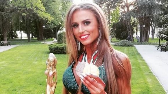 """Отличен сезон за Йоана Жилкова, три златни и два бронзови медала за българката в категорията """"Бикини фитнес"""""""