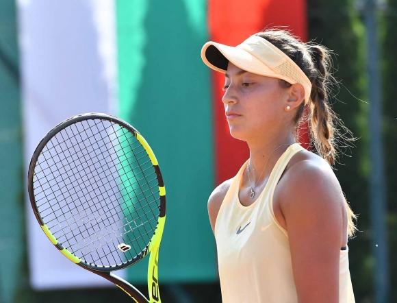 Аршинкова достигна четвъртфиналите в Португалия