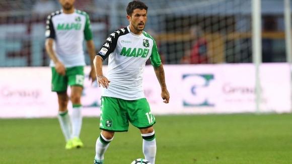 Милан почти договори халф на Сасуоло