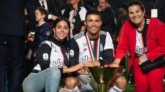 Роналдо се похвали с трофеите си