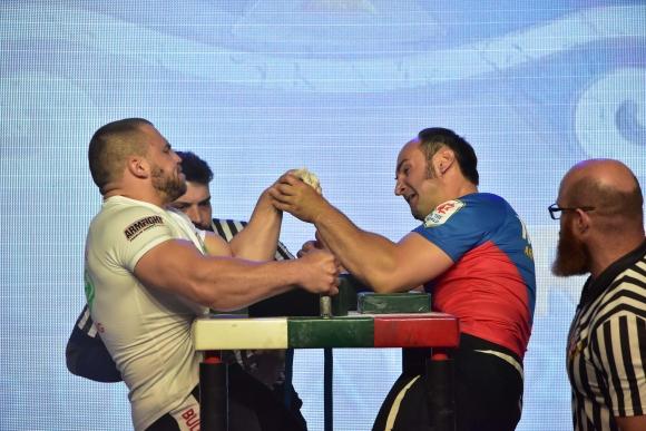 Златни медали за България от ЕП по канадска борба