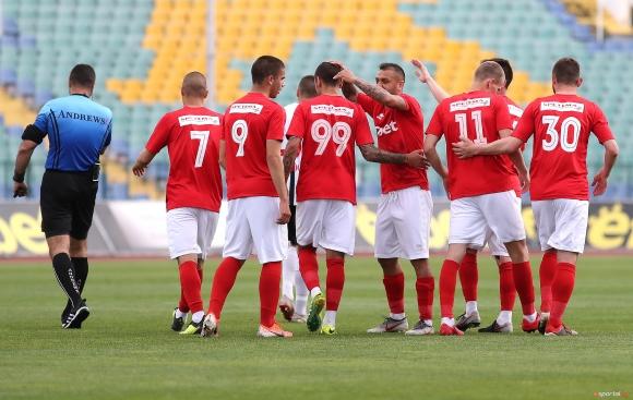 ЦСКА 1948 излезе с фланелки с лъв, обеща класиране за Първа лига с новия екип (видео+снимки)
