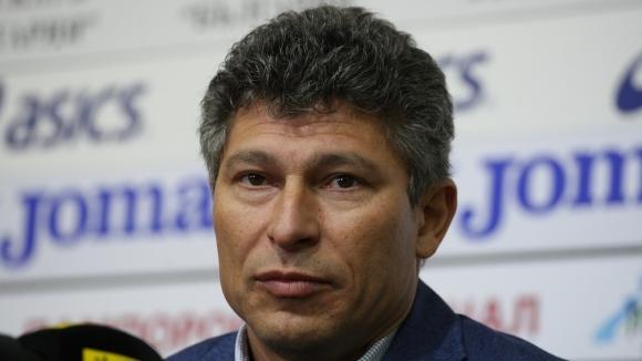 """Балъков загуби твърд титуляр за Чехия и Косово, викна нов нападател и остави """"моряците"""""""