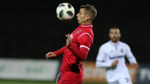 Бивш играч на Левски си тръгна от Ботев (Враца)