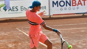 Лазаров отпадна на 1/4-финалите в Румъния