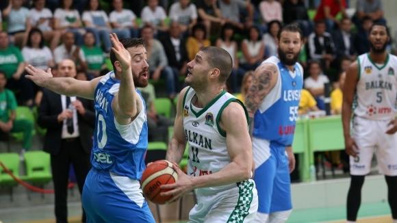 Балкан пропиля 23 точки аванс, но спечели и мечтае за титла след 30 години