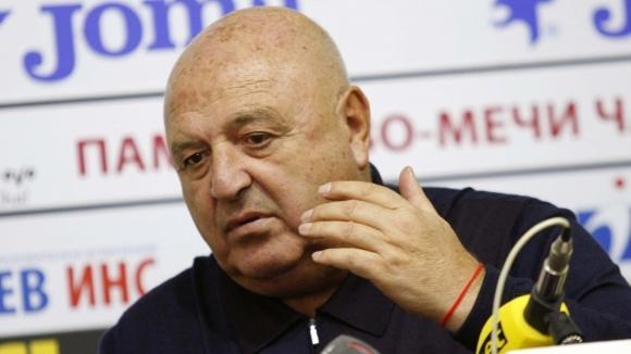Венци Стефанов обяви две нови попълнения на Славия, единият е бивш играч на...