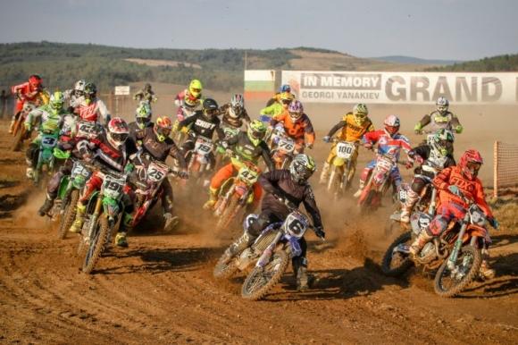 """Изключителни състезания на """"Ридо"""" в Самоков този уикенд на Европейското по мотокрос"""