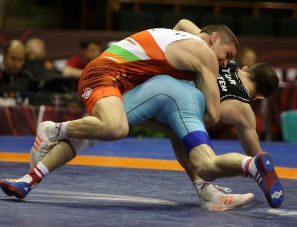 Иво Ангелов не даде точка на съперниците си до полуфиналите