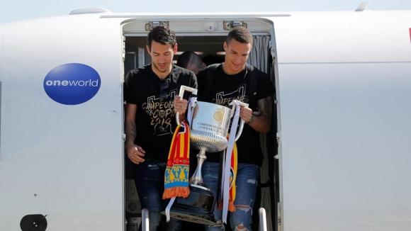 Барселона се интересува от двама играчи на Валенсия