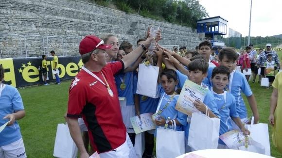 Футболен турнир дава възможност за по-добър старт на деца от рискови групи