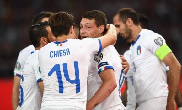 Италия съкруши Гърция с три гола за 10 минути (видео)