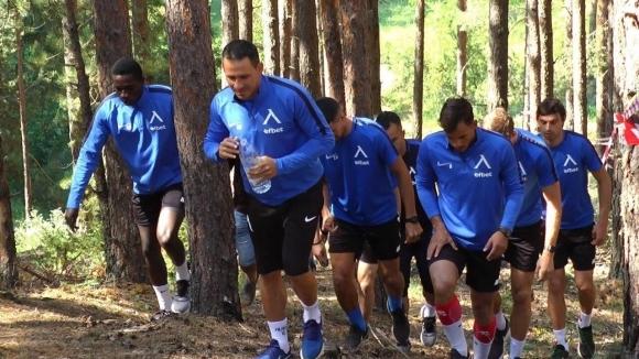 """Бегова тренировка за """"сините"""" в планината"""