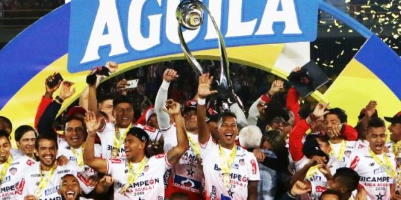 Хуниор Баранкия триумфира с титлата в Колумбия