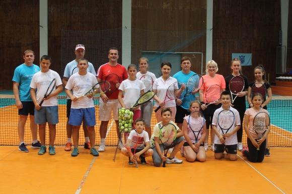 Спорният директор на БФТ Пресиян Коев даде открит урок по тенис в Каварна