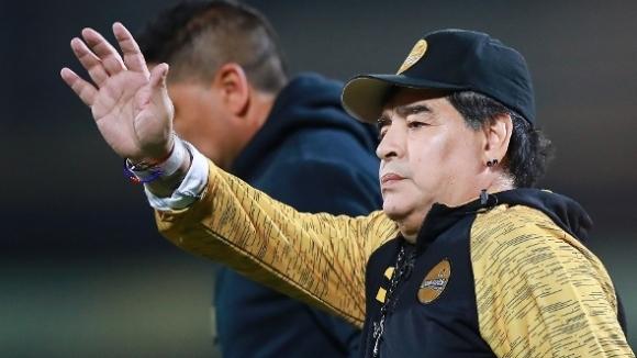 Марадона напуска мексиканския си тим по лекарско предписание