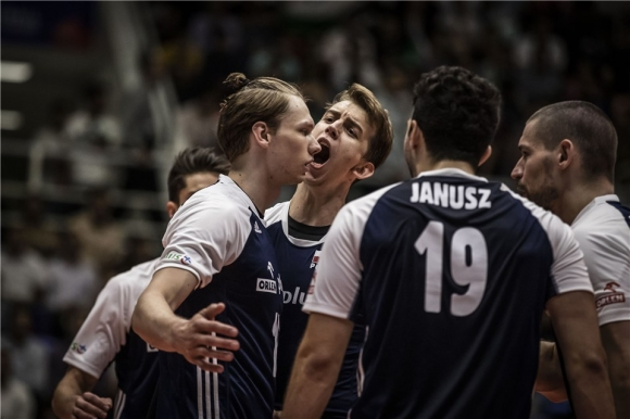 Полша с трудна победа над Канада (видео + снимки)