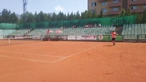 Антъни Генов и Десислава Глушкова спечелиха титлите от ДП по тенис до 18 години