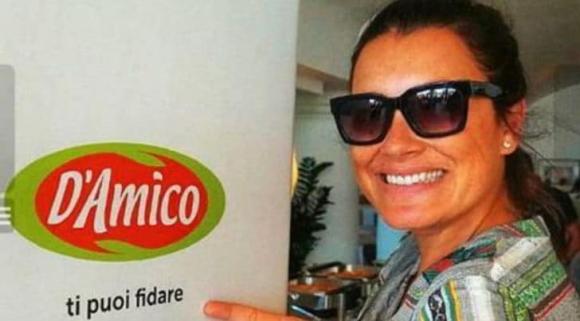 Алена Середова иронизира новата на Буфон