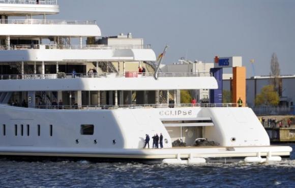 Лампард и Абрамович се срещат на яхтата на милиардера