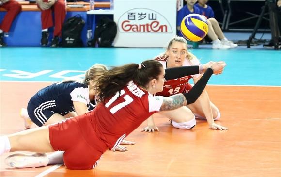 Полша удари Доминиканската република в луд мач и докосва финалите в Лигата на нациите (видео + снимки)
